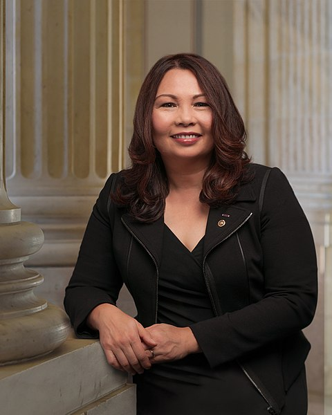 File:Tammy Duckworth, official portrait, 115th Congress.jpg