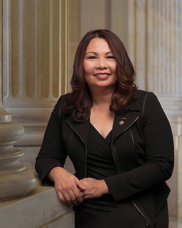 Tammy Duckworth, official portrait, 115th Congress