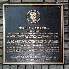 Plaque commemorating Teresa Carreño at the place of her death. New York City.