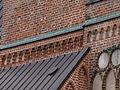 Terrakotakujud jaani kirikul.JPG
