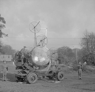 1st Searchlight Regiment, Royal Artillery - 150 cm Searchlight with AA Radar No 2 SLC