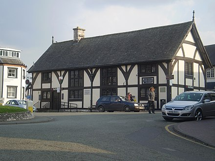 The Old Court House, Ruthin, Denbighshire, built 1401, following Owain Glyndwr's attack on the town The Old Court House Ruthin Wales.jpg