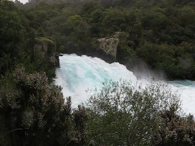 File:The huka falls.ogv