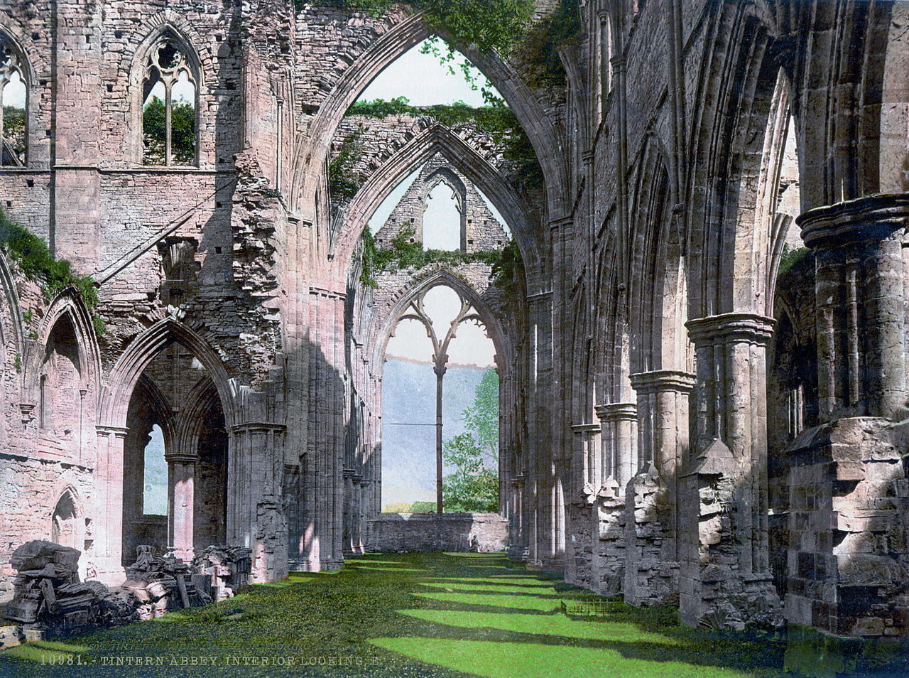 essay on tintern abbey The romantic imagination in wordsworth's tintern abbey essay abbey tintern above miles few a composed lines of analysis and.
