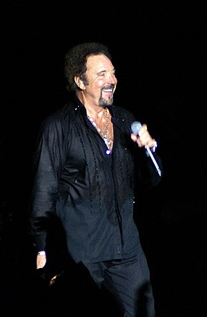 Tom Jones (singer) - Performing at Hampton Court Palace in London, 2007