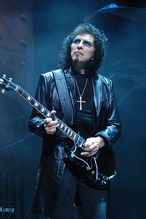 English: Tony Iommi of Heaven and Hell perform...
