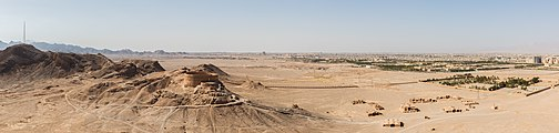 Torre del silencio, Yazd, Irán, 2016-09-21, DD 60-64 PAN.jpg