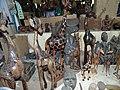 Travail des artisans au musée national du Niger.jpg