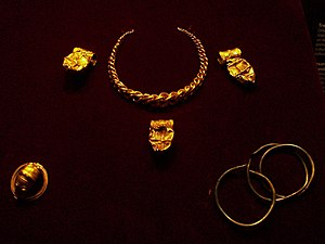 Cheste hoard - Gold jewellery from the Cheste hoard