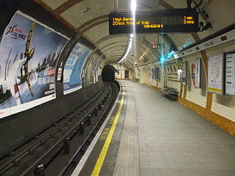 Tufnell Park tube station - Image: Tufnell Park stn northbound look north