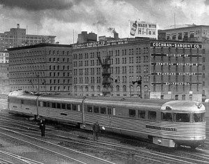 Twin Cities Zephyr in Saint Paul 1935.jpg