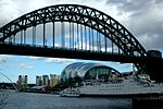 Tyne Bridge, 16 April 2006.jpg