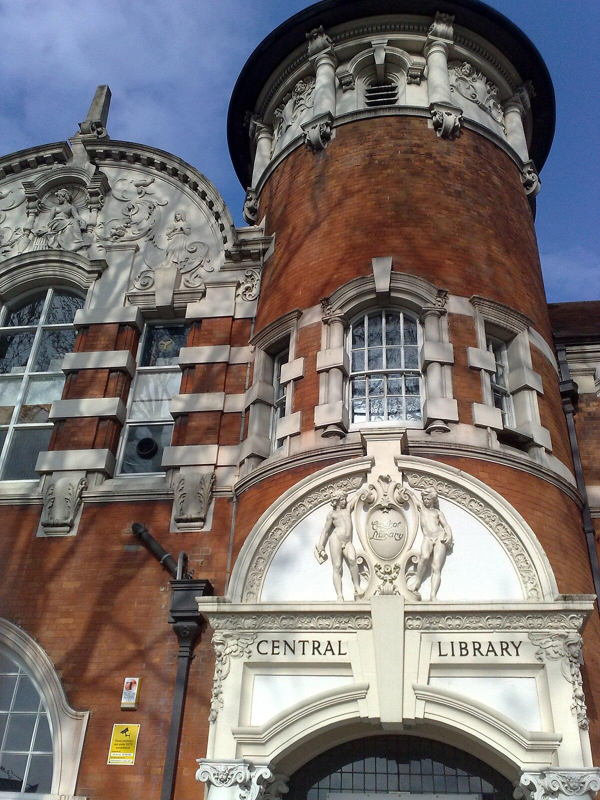 Université de Londres-Est Stratford Campus — Wikipédia