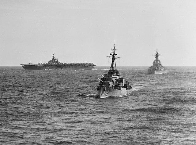 640px-USS_Philippine_Sea_%28CV-47%29_ope