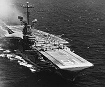 USS Wasp (CVS-18) underway at sea, circa in early 1967 (NH 97509).jpg