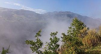 Uitzicht vanaf de panoramaweg tussen Waltensburg-Vuorz en Breil-Brigels (actm) 04.jpg
