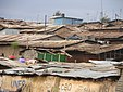 Urbanizzazione spontanea a Nairobi (Kenya 2005).jpg