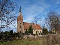 Völschow Kirche Südseite Friedhofsmauer.JPG