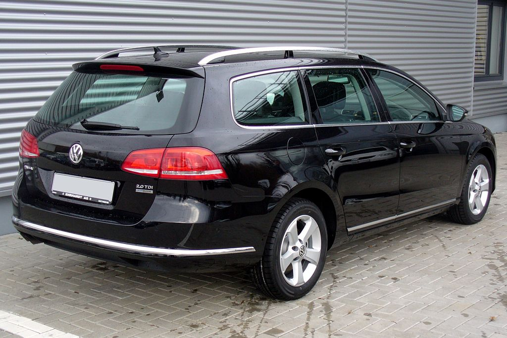 file vw passat variant b7 2 0 tdi bmt dsg highline deep black heck jpg wikimedia commons. Black Bedroom Furniture Sets. Home Design Ideas