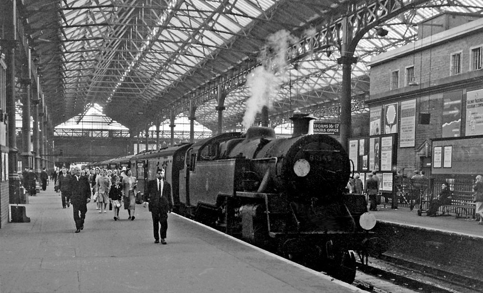 Victoria (Central) Station with train from Tunbridge Wells West geograph-2686103-by-Ben-Brooksbank
