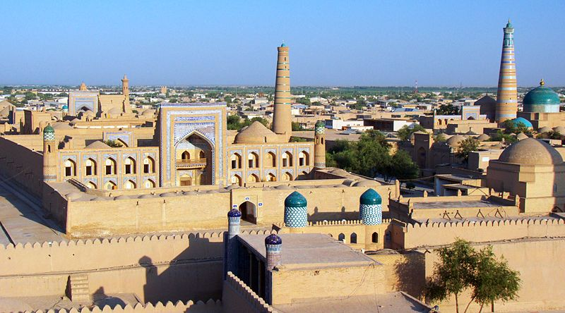 File:View from the city walls, Khiva (4934484894).jpg
