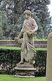 Villa san michele, giardino ovest, statua 04.JPG