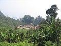 Village-malgache-train-fianarantsoa-vers-manakara-madagascar-2006.jpg