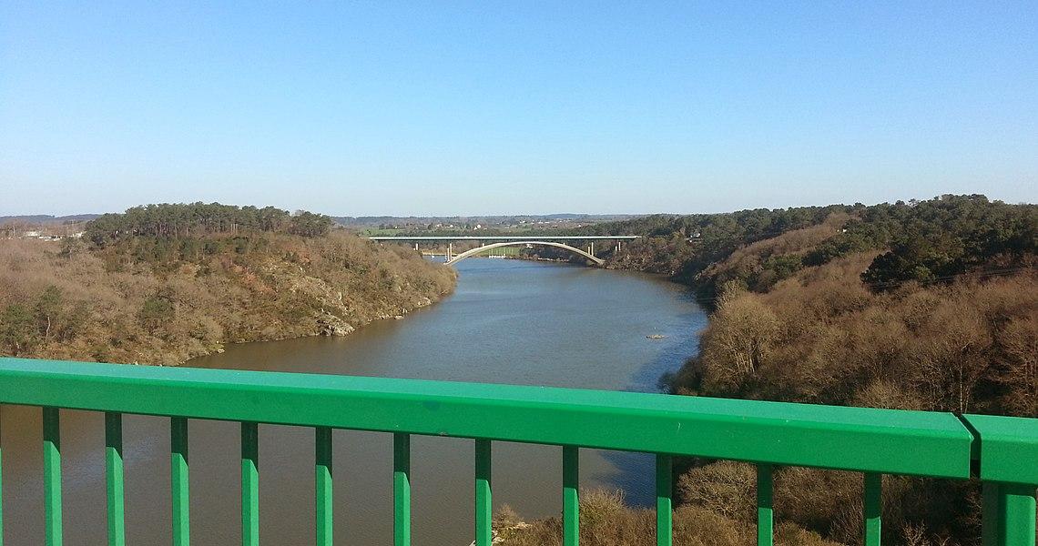 Vue du pont de la Roche Bernard