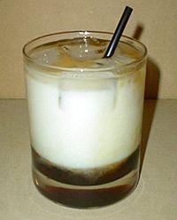 Livre de cuisine boissons cocktails white russian wikilivres for Cocktail russe blanc