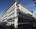 Wien Zentrum gegenüber der Oper.jpg