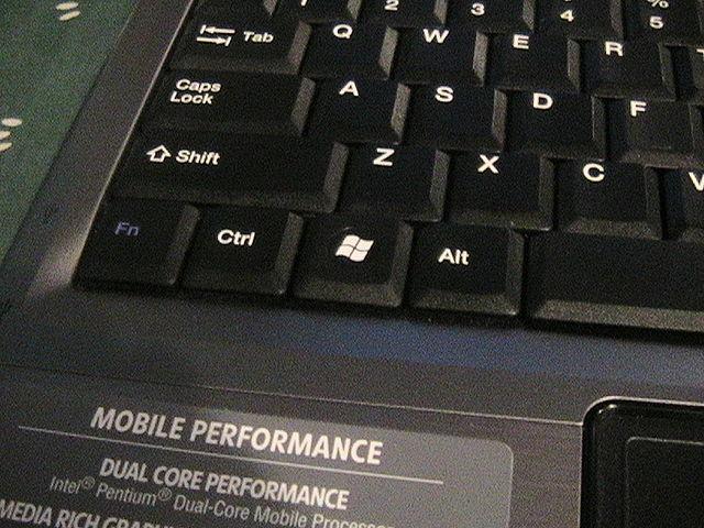 Комбинации с клавишей Windows