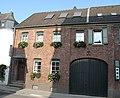 Wohn- und Wirtschaftsgebäude in Monheim am Rhein.JPG