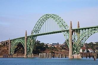 Yaquina Bay Bridge - Image: Yaquina Bridge Span