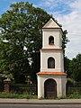 Zabytkowa kaplica przydrożna w Opolu - Bierkowicach.jpg