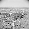 Zicht op de stad Aleppo met ruïnes vanaf de citadel, Bestanddeelnr 255-5947.jpg