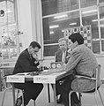 Zone-schaaktoernooi te Berg en Dal , Teschner tegen D M Lopez, Bestanddeelnr 911-8328.jpg