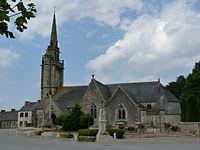 Église Saint-Pierre de Plougras 02.JPG