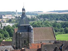 L'église Saint-Pierre vue du plateau de Diane