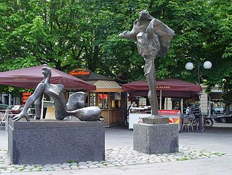 Östermalmstorg - The meeting by Willy Gordon