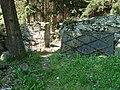Židovský hřbitov Hoštice - vstup zevnitř.jpg