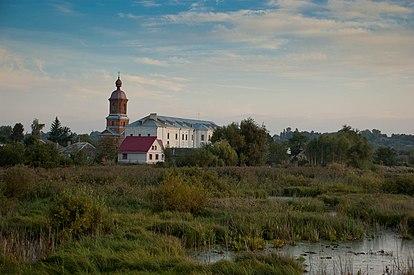 Дзвінниця кармелітського монастиря.jpg