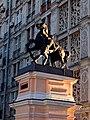 Пилоны ворот с конными скульптурными группами. Левая группа (3).jpg