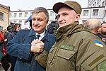 Президент України Петро Порошенко привітав молодих офіцерів з випуском 884 (16919793426).jpg