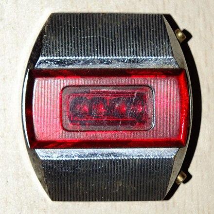 4d22abef «Электроника-1» — первые советские электронные наручные часы. Чтобы узнать  время,