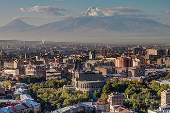 Yerevan skyline wi Munt Ararat in the backgrund