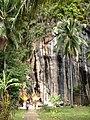 หน้าผาหินวัดโพงพาง อ่าวทุ่งมะขาม - panoramio.jpg