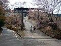金峰神社の鳥居 吉野町吉野山 Shrine gate of Kimpu-jinja 2011.4.26 - panoramio.jpg