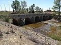 02d Castromocho de Campos Puente del Mercado rio Valdeginate Ni.jpg