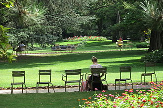 Jardin du Luxembourg - People relaxing in Luxembourg Gardens