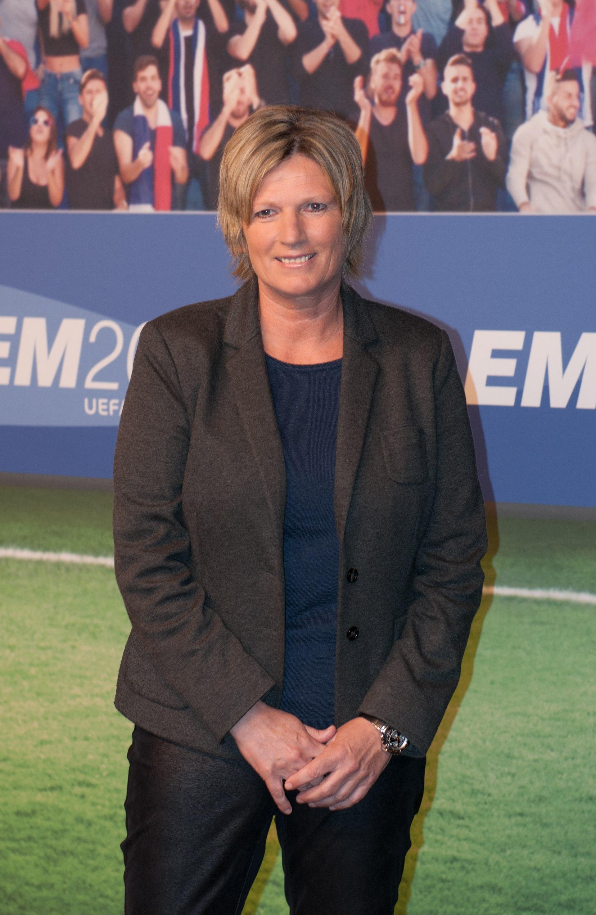 Zdf Reporterin Claudia Neumann